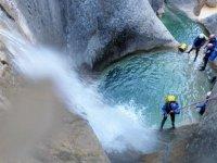 Perfectionnement du rappel en canyoning