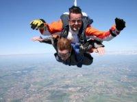 Le saut en parachute bi place