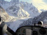 A bord de l ULM du Club Aeronautique Sallanches Mont Blanc