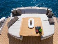 Location de Yacht dans le 06