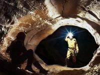 Aventure dans les grottes