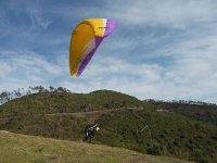 Vol au dessus des volcans d Auvergne en parapente
