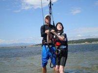 Cours de kitesurf pour tous les niveaux