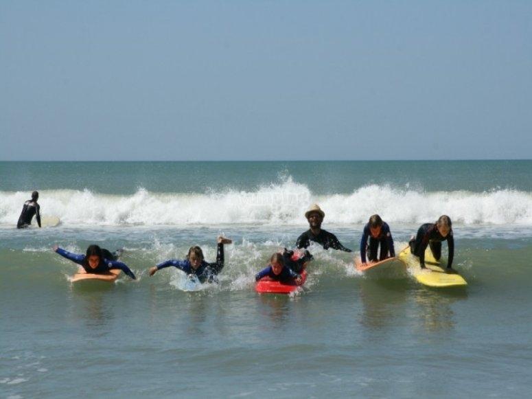 Cours de surf a partir de 5 ans en Vendee