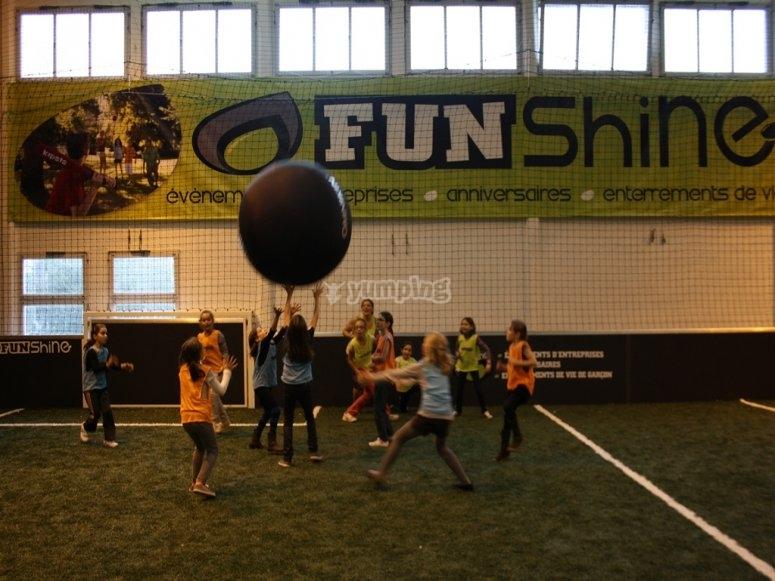 + de 50 activités dont le kinball avec Funshine Vendee