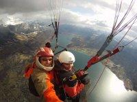 Parapente sur le lac d Annecy