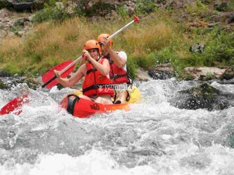 Canoe en eaux vives