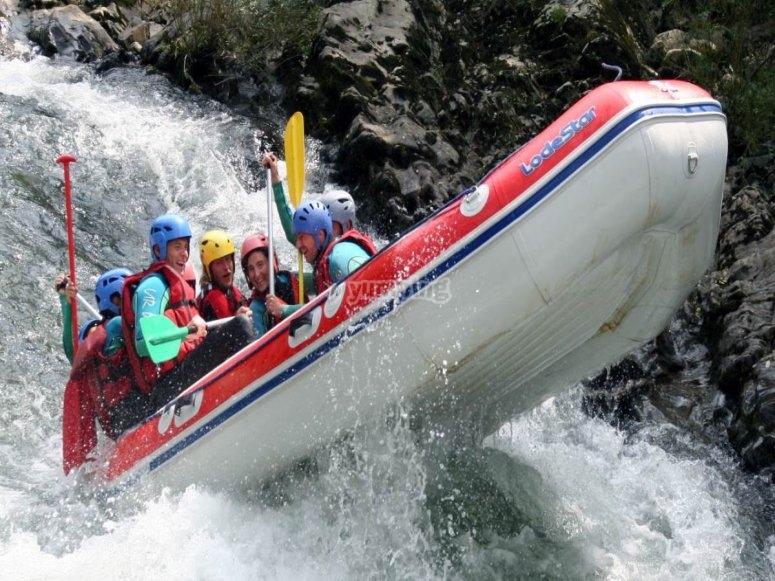 rapide des 3 vagues en rafting sur la Nive à Bidarray au pays basque