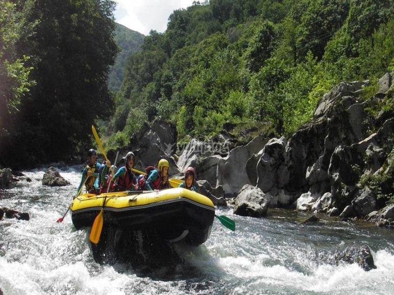 rapide de Charlotte en rafting sur la Nive au pays basque à Bidarray