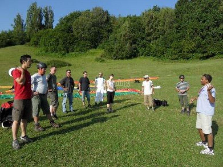 Cours theoriques et pratiques de parapente à Grenoble