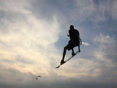 Ecole de Kitesurf et de  Stand Up Paddle Narbonne Kite Passion Kitesurf