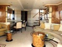 Yacht spacieux