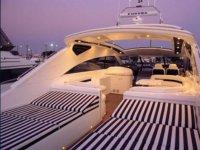 Yacht sur la cote d Azur