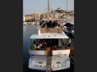 Le Yacht Cyos
