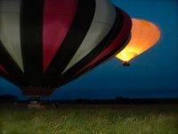 Montgolfieres de nuit