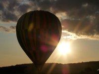 Lever de soleil en montgolfiere