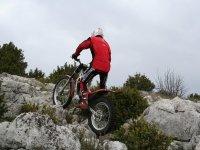Ecole de pilotage de moto trial dans le 06