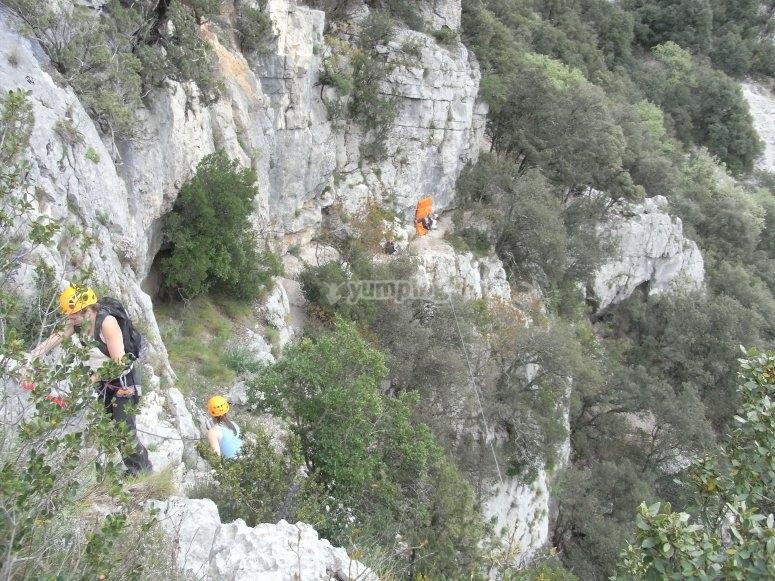 Tyrolienne sur la via ferrata du Thaurac