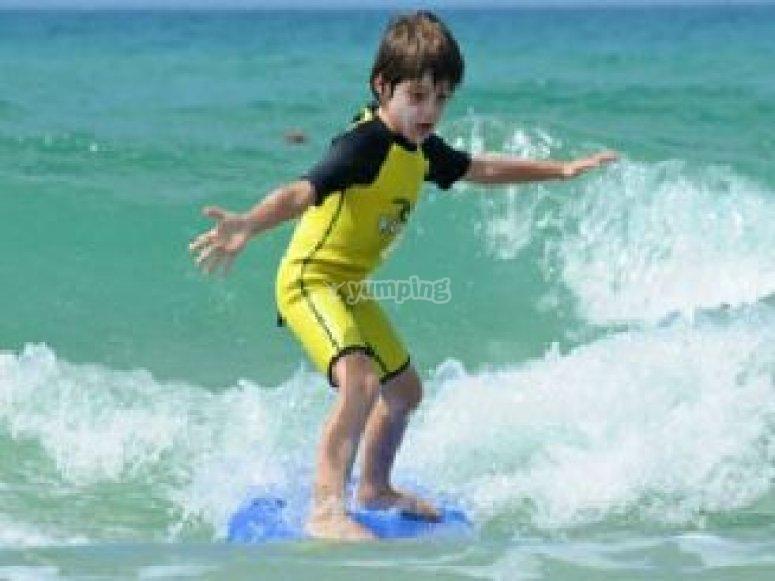 Session de surf enfant a Seignosse