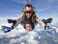 Goutez aux plaisirs du saut en parachute en Alsace