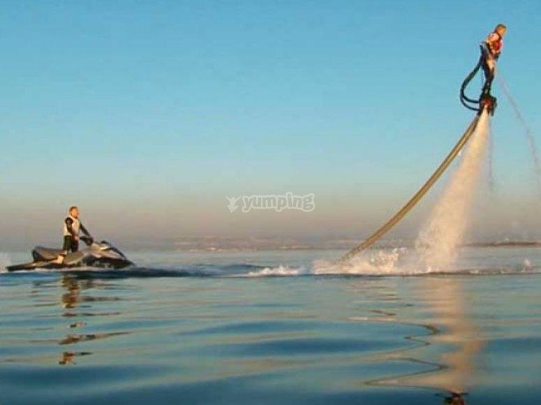 Bapteme de flyboard avec Iceberg Jet