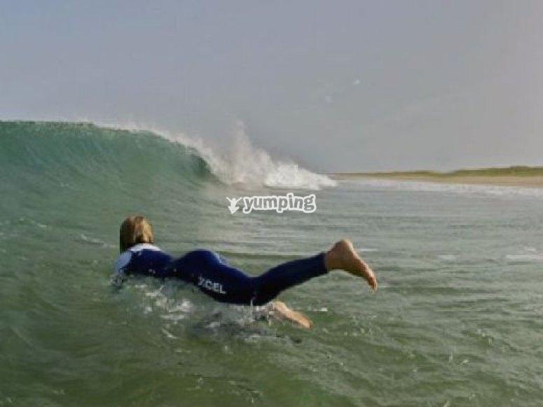 Surf tout niveau en cours collectif