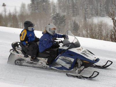 Pack 2h30 motoneige + Repas Auron -Pilote+passager