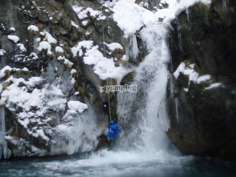 Canyoning hivernal