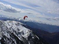 Decouvrez les Pyrenees en parapente.JPG