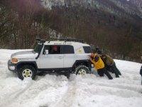 4x4 dans la neige
