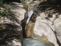Canyon chute