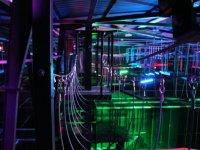 Un labyrinthe a mi chemin entre accrobranche et jeu de laser
