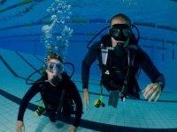 Initiations et formations en piscine avec Isanthea