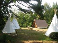 Camp tipis