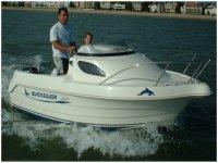 Louer un quick 4 personnes avec A Z Nautic Location de bateaux