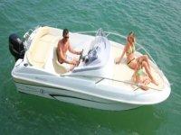 Cap Caraibes vous propose la location de bateaux pour vos vacances ou sejours