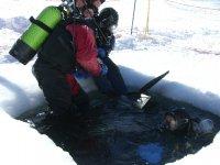 Plingee sous glace avec SUC plongee