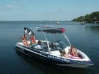 Evolution 2 Lacanau dispose de son propre bateau Wakeboard