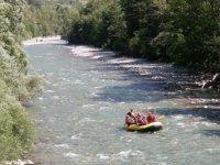 Descente facile en rafting dans les Hautes Alpes