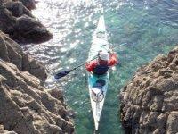 Kayak de mer dans les criques