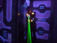 Jouer au laser game dans le 52