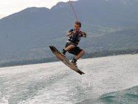 perfectionnement des tricks en wakeboard
