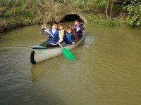 Canoe dans les marais