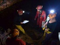 Decouverte de la grotte et des cartes
