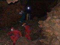 Speleologie dans une grotte de l Herault