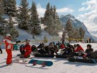 Cours collectif de snowboard dans la Vanoise