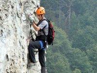 Grimper les falaises avec Aventure Chlorophylle Via Ferrata