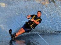 Pratique reguliere du ski nautique