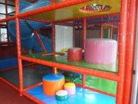 Structures et modules de jeu pour les enfants