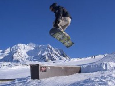 Free School Attitude Snowboard